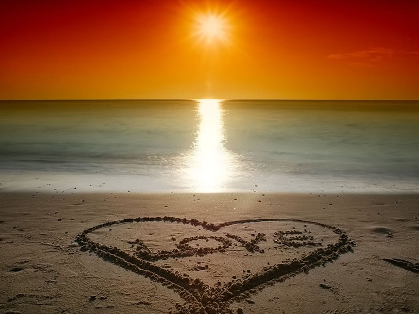 Valentine's Beach Love Wallpapers 2